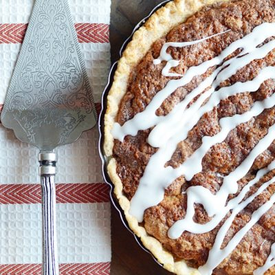 This snickerdoodle pie will blow your mind. It is AMAZING. Definitely making it for our Thanksgiving!
