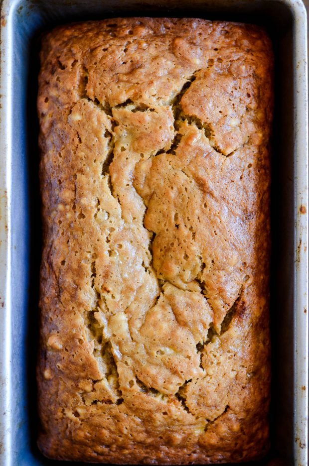 The best EVER banana bread on Something Swanky