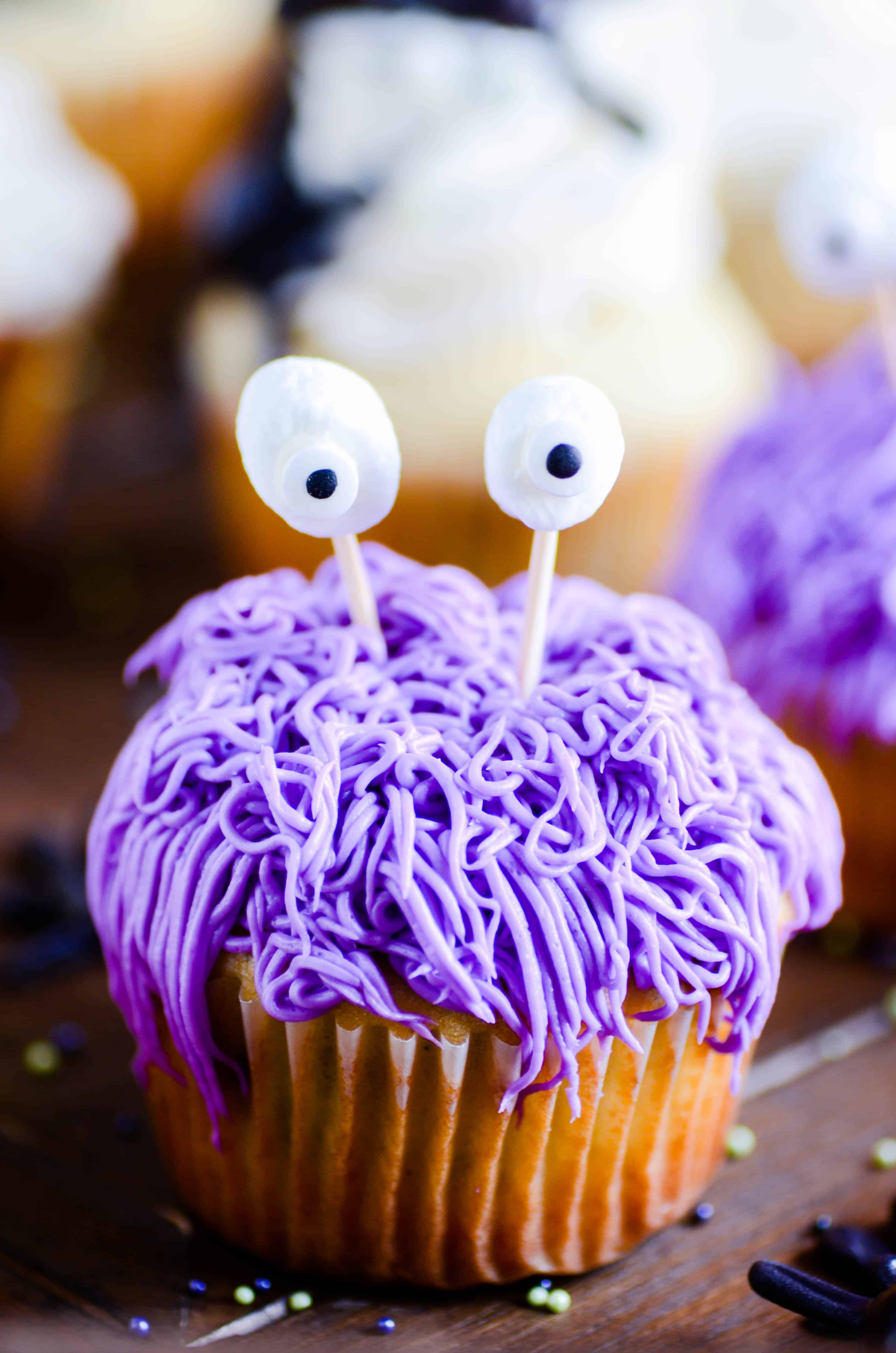 How to make super cute and easy cupcakes for Halloween!