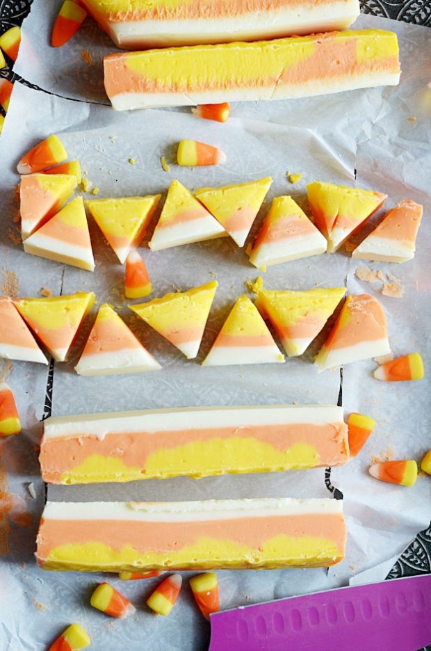 This candy corn fudge is a super easy, delicious, and very, very cute Halloween treat!