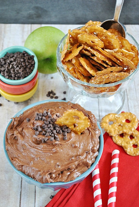 Brownie Batter Dip | www.somethingswanky.com