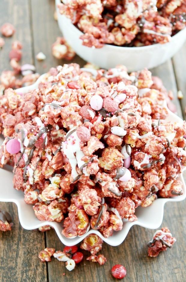 Red Velvet Tuxedo Popcorn
