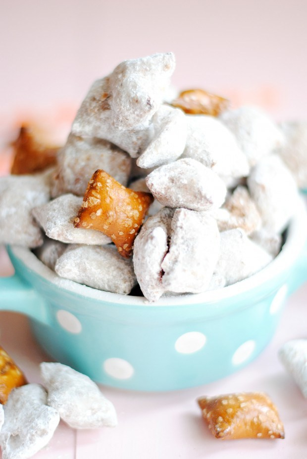 Peanut Butter Pretzel Muddy Buddies make a great super bowl party food!