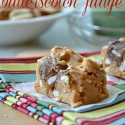Caramel Pretzel Butterscotch Fudge #fudge #recipes