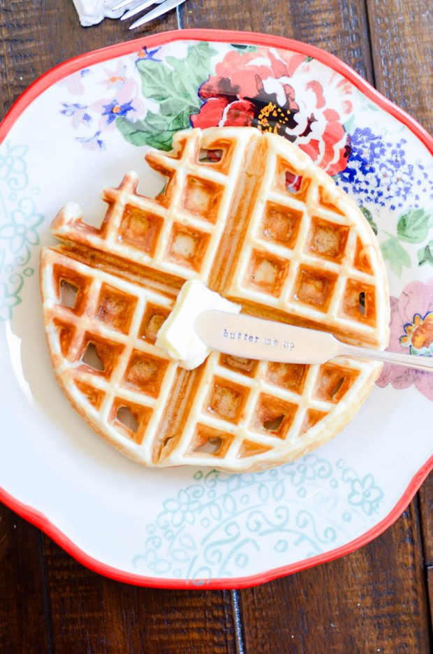 Easy and fluffy belgian waffles something swanky these are our familys very favorite homemade belgian waffles crispy on the outside soft forumfinder Choice Image