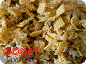 6sistersstuff.gooey.almond.coconut.chex.mix