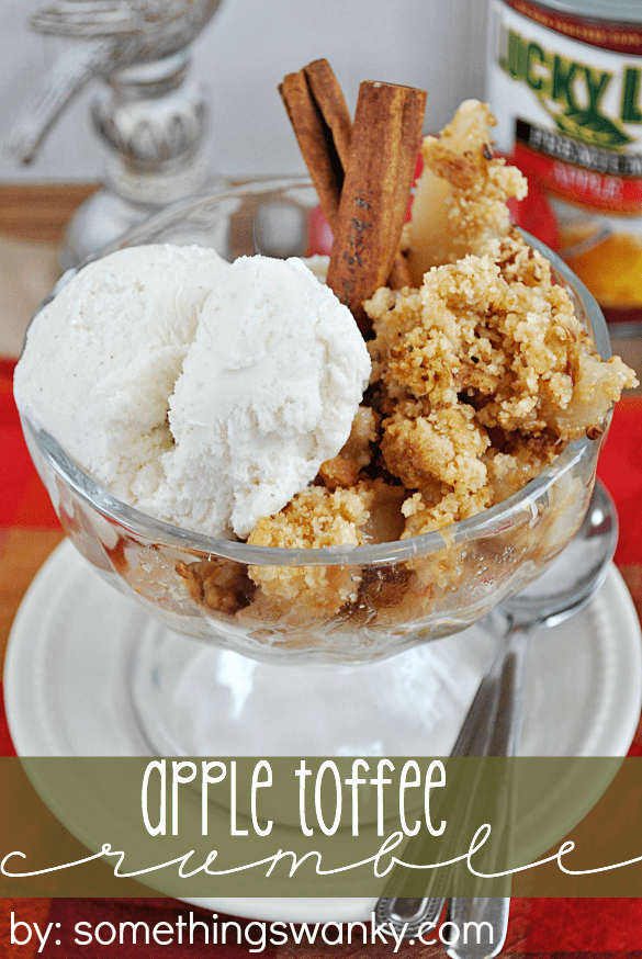 Apple Toffee Crumble | www.somethingswanky.com