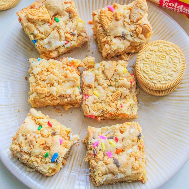 Golden-Oreo-Cake-Batter-Blondies1