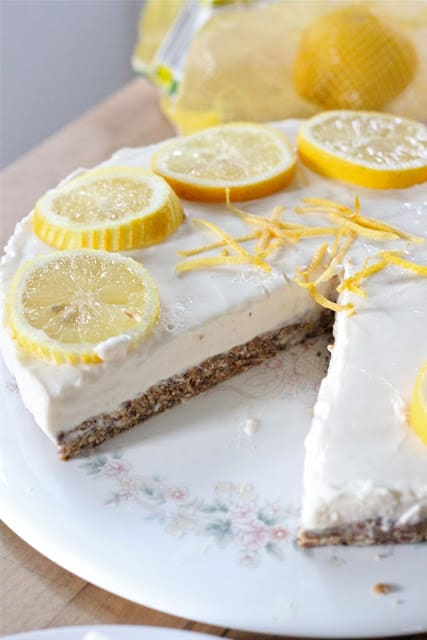 No Bake Frozen Lemonade Cheesecake