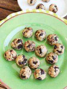 averie.no.bake.coconut.choc.chip.cookie.dough.bites