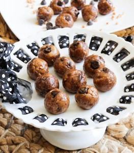 averie.no.bake.toffee.choc.chip.cookie.dough.bites
