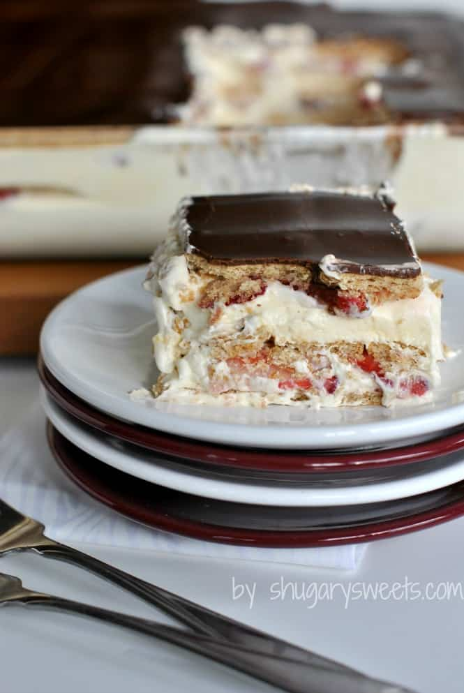 chocolate-strawberry-eclair-cake-3