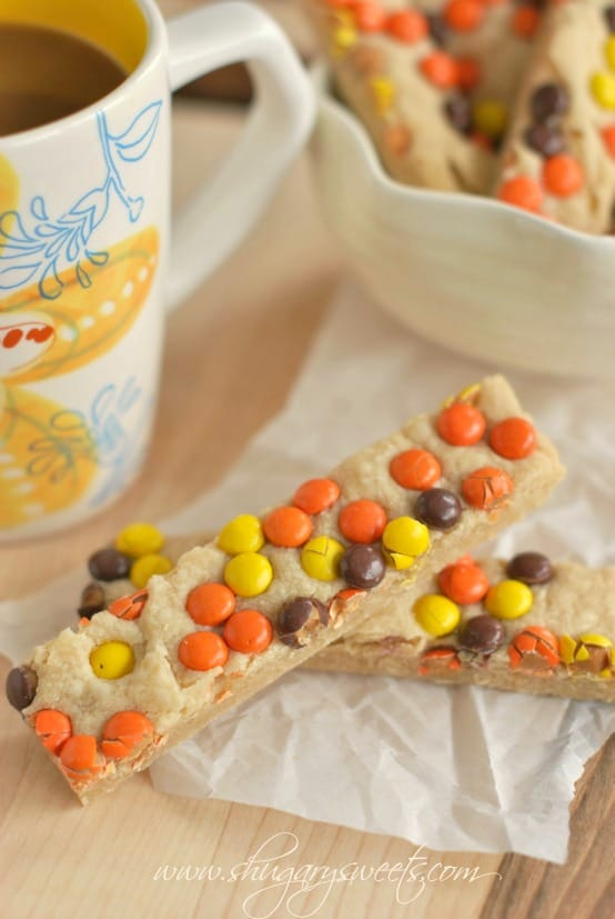 peanut-butter-reeses-pieces-shortbread-bars-2