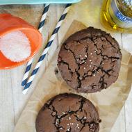 Sea Salt & Olive Oil Brownie Cookies | www.somethingswanky.com #olivari