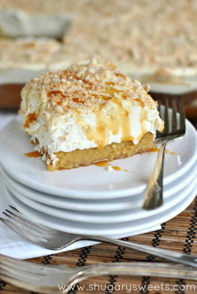 banana-caramel-poke-cake-3-685x1024