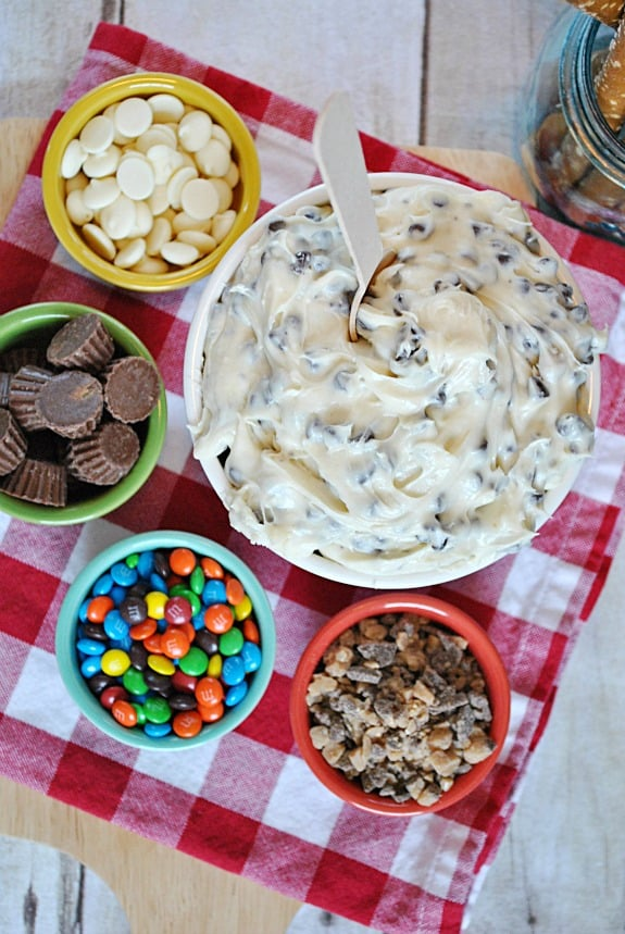 Chocolate Cream Cheese Dip (aka Cookie Dough Dip) | www.somethingswanky.com
