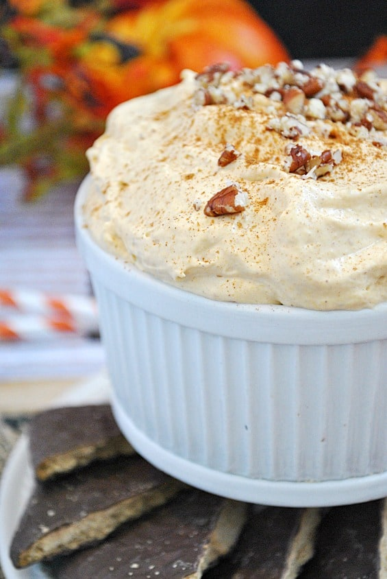 Pumpkin Cheesecake Dip | www.somethingswanky.com