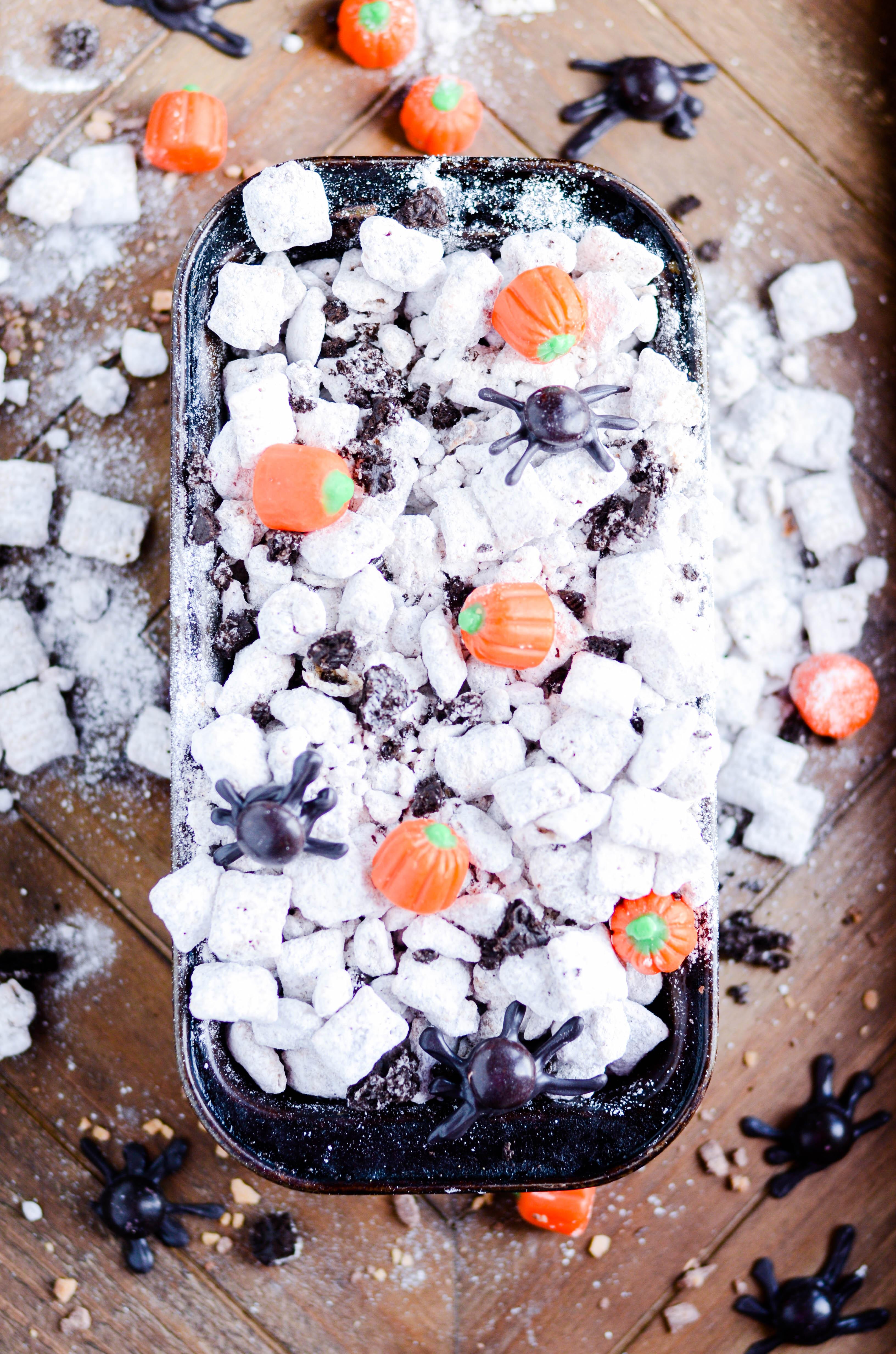 An easy recipe for Pumpkin Oreo Muddy Buddies (Puppy Chow)
