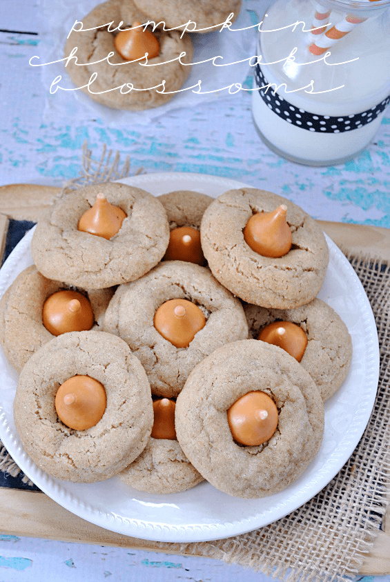Pumpkin Cheesecake Blossom Cookies | www.somethingswanky.com
