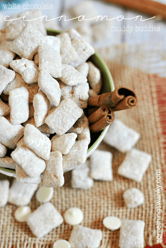 White Chocolate Muddy Buddies | www.somethingswanky.com