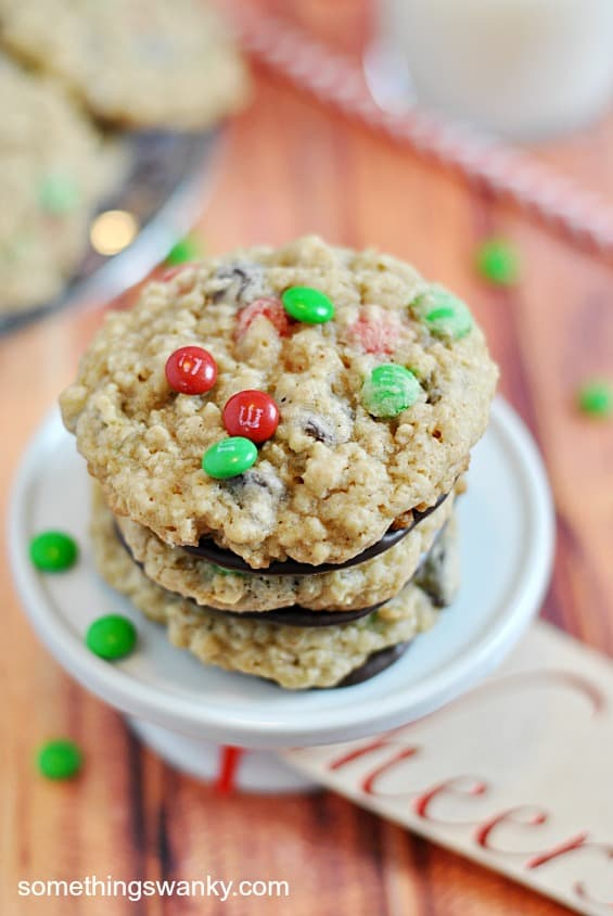 M&M Choc-Oat-Cookies (chocolate dipped) | www.somethingswanky.com