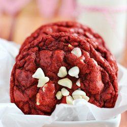 Red Velvet Macadamia Nut Cookies | www.somethingswanky.com