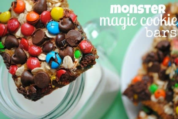 https://www.somethingswanky.com/reeses-oreo-magic-cookie-bars/