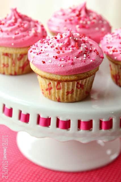 https://www.somethingswanky.com/raspberry-vanilla-bean-cupcakes/