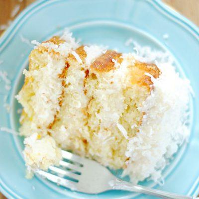 Cococnut Cake | www.somethingswanky.com