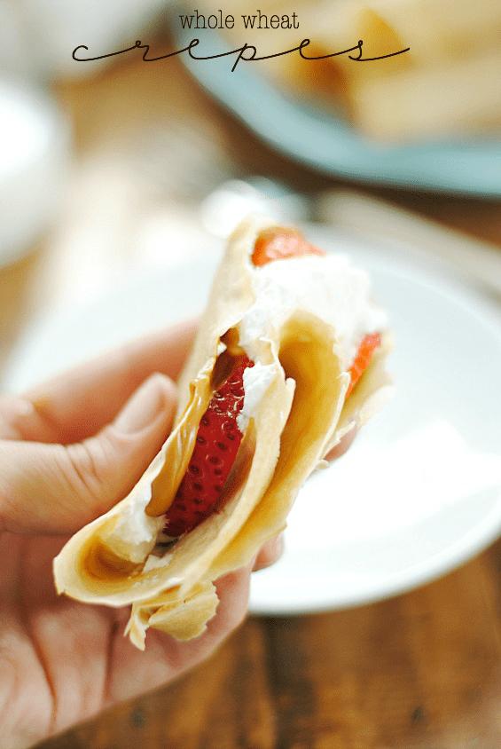 Biscoff Strawberry Crepes | www.somethingswanky.com