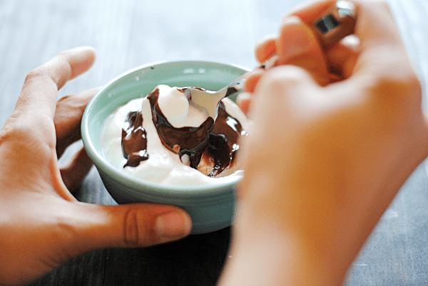 Stracciatella Yogurt Bowl | www.somethingswanky.com
