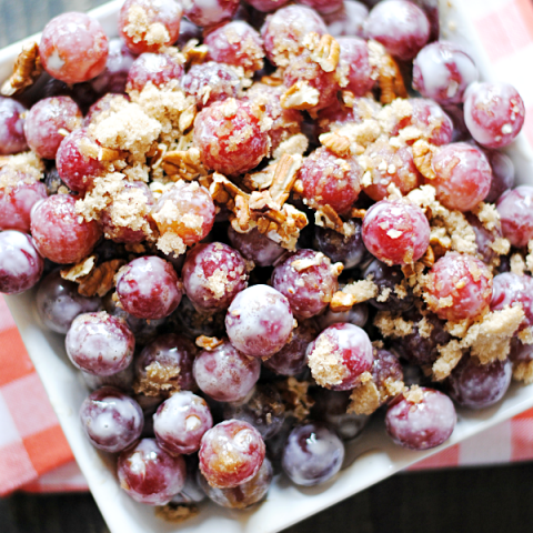 Grape Salad | www.somethingswanky.com