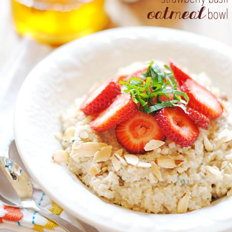 Strawberry Basil Oatmeal Bowl | www.somethingswanky.com
