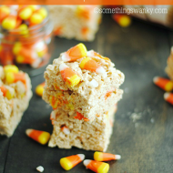 Biscoff Candy Corn Rice Krispie Treats are delicious and so easy to make too! A fun (peanut-free) halloween treat perfect for school.