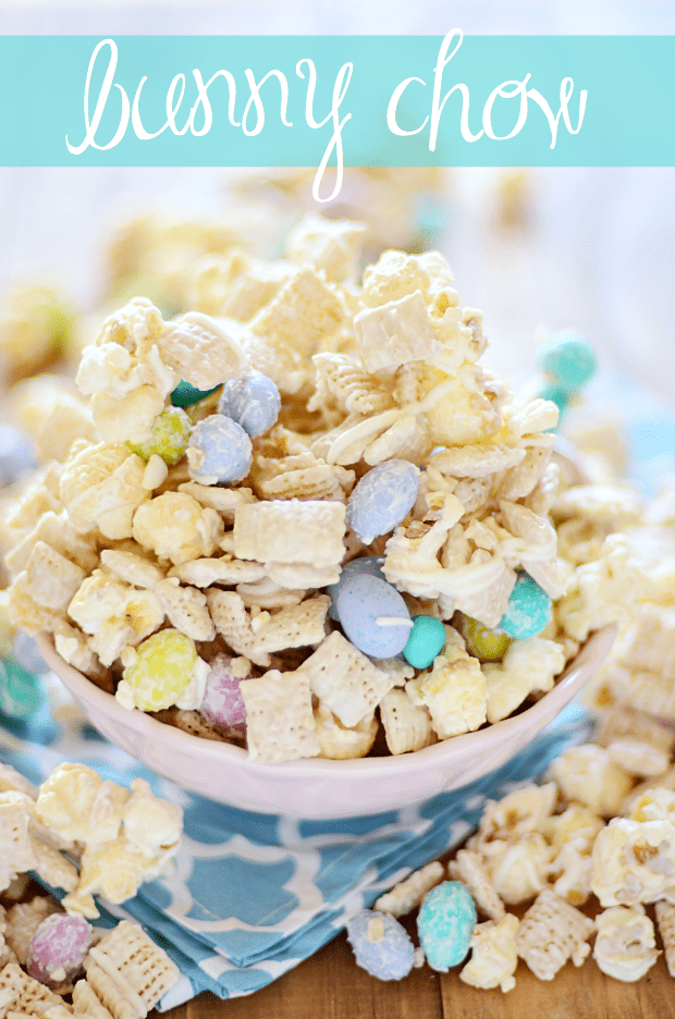 White chocolate coated kettle corn, chex, and M&M Easter eggs {aka Bunny Chow}!
