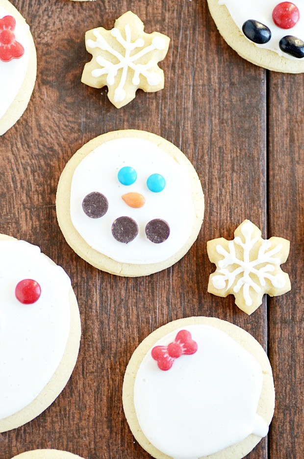 This sugar cookie recipe is seriously so easy. You don't have to worry about spreading and no crazy chill time.