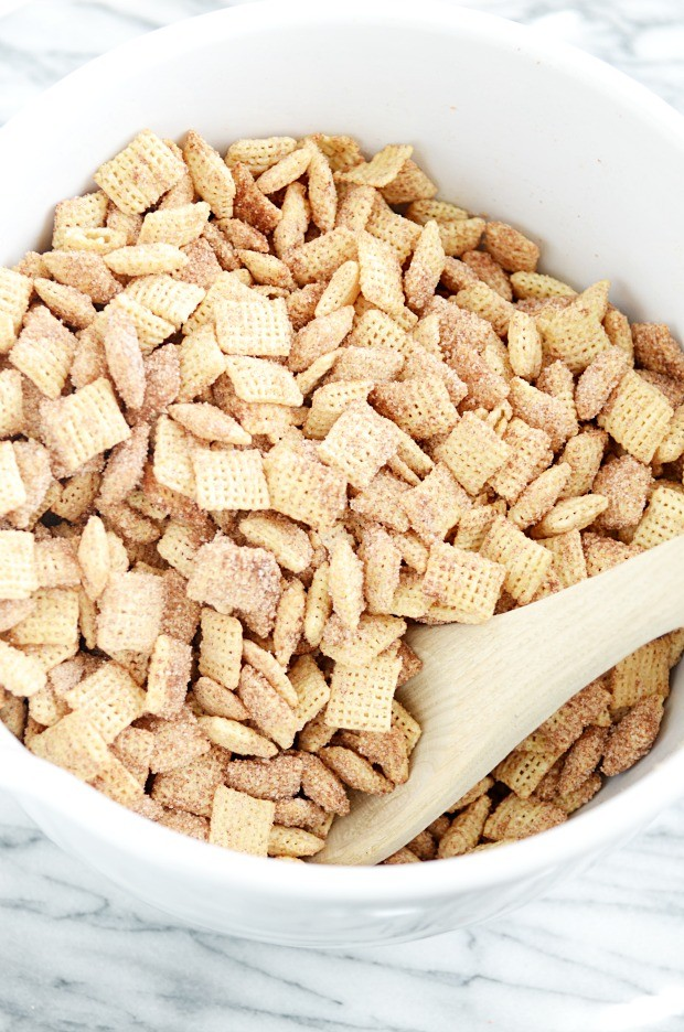 Whit Chocolate Churro Chex Mix