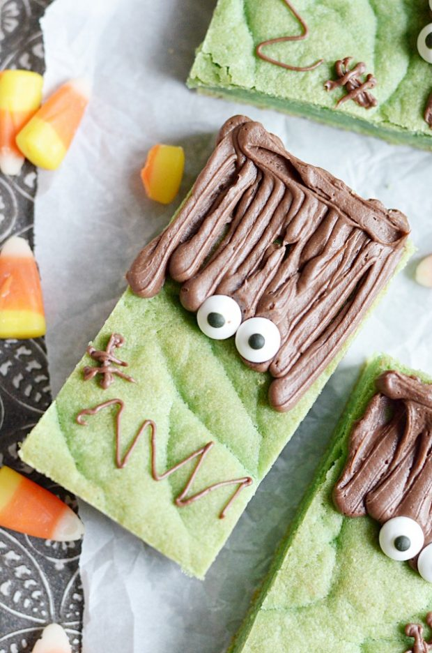 These spooky Frankenstein bars are cute and easy Halloween treat!
