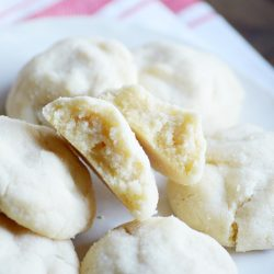 These Amish Sugar Cookies are by far the BEST sugar cookies I've ever eaten! Soft and pillowy perfect cookies.
