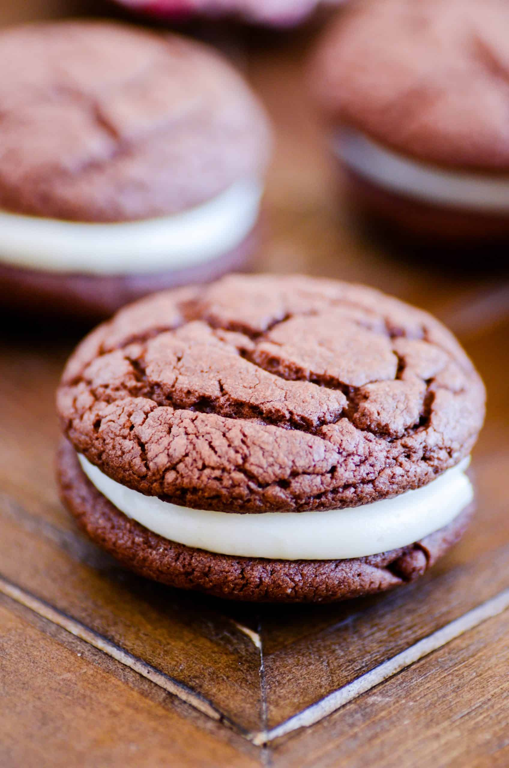 A delicious homemade version of your favorite chocolate sandwich. And you can make them peppermint-flavored too! Win-win :)