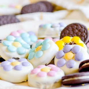 White Chocolate Covered Oreo Flowers