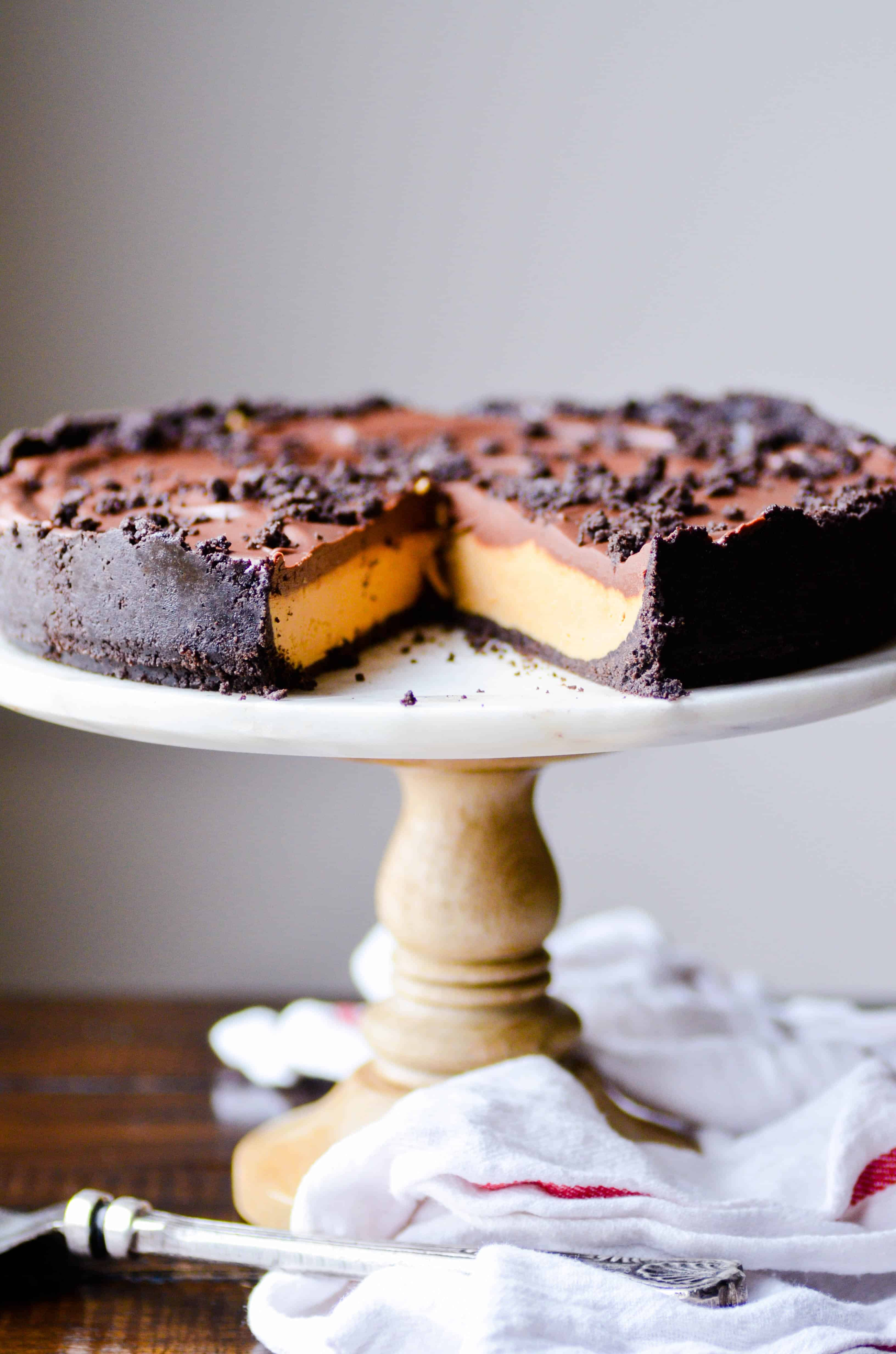 This chocolate peanut butter pie taste like one big Reese's cup with an Oreo crust! You'll fall in love with the creamy peanut butter filling and a that thick layer of chocolate ganache on top.