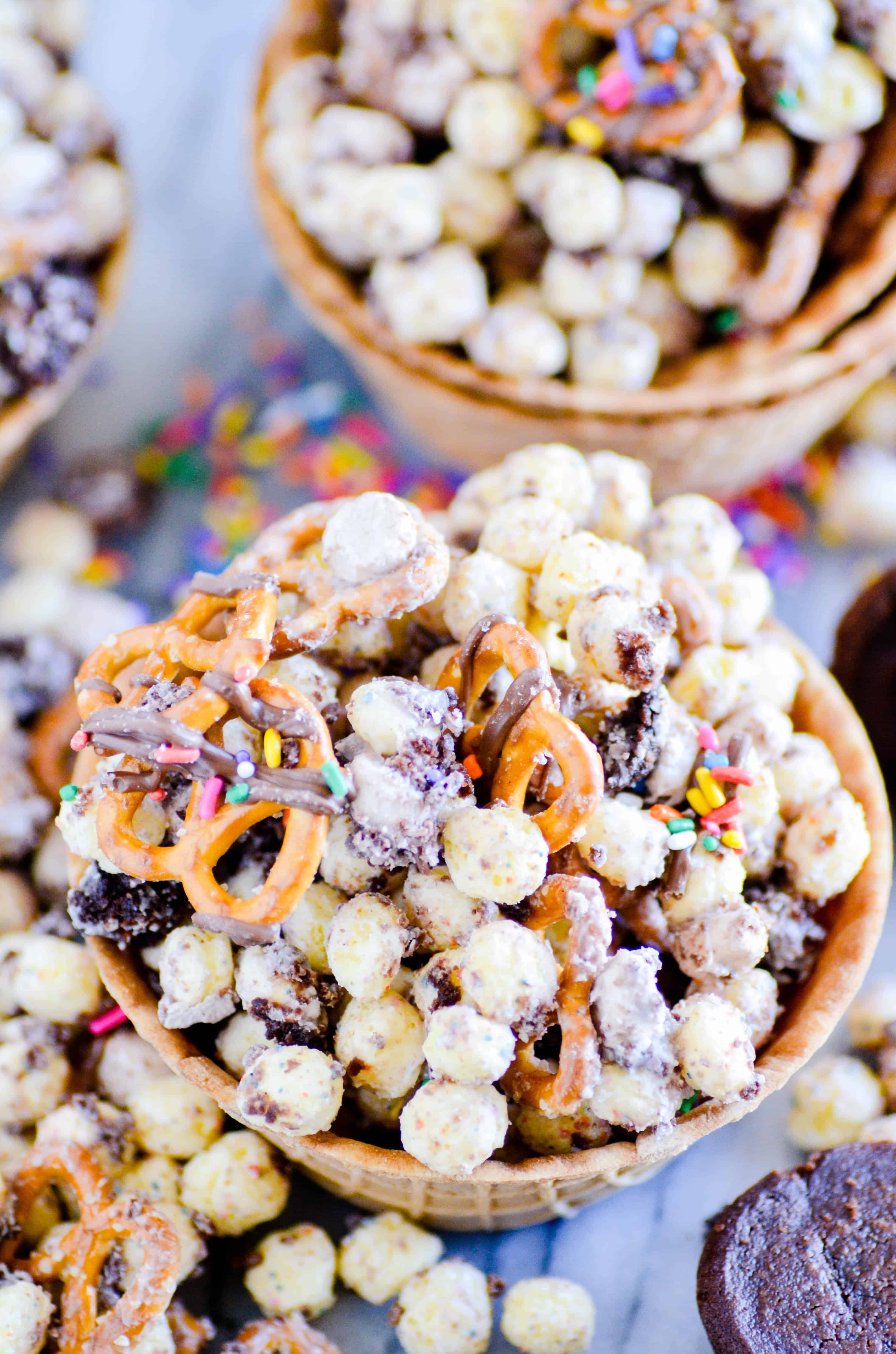 If you love Birthday Cake Remix at Coldstone Creamery, you are going to LOVE this Birthday Cake Remix Snack Mix.
