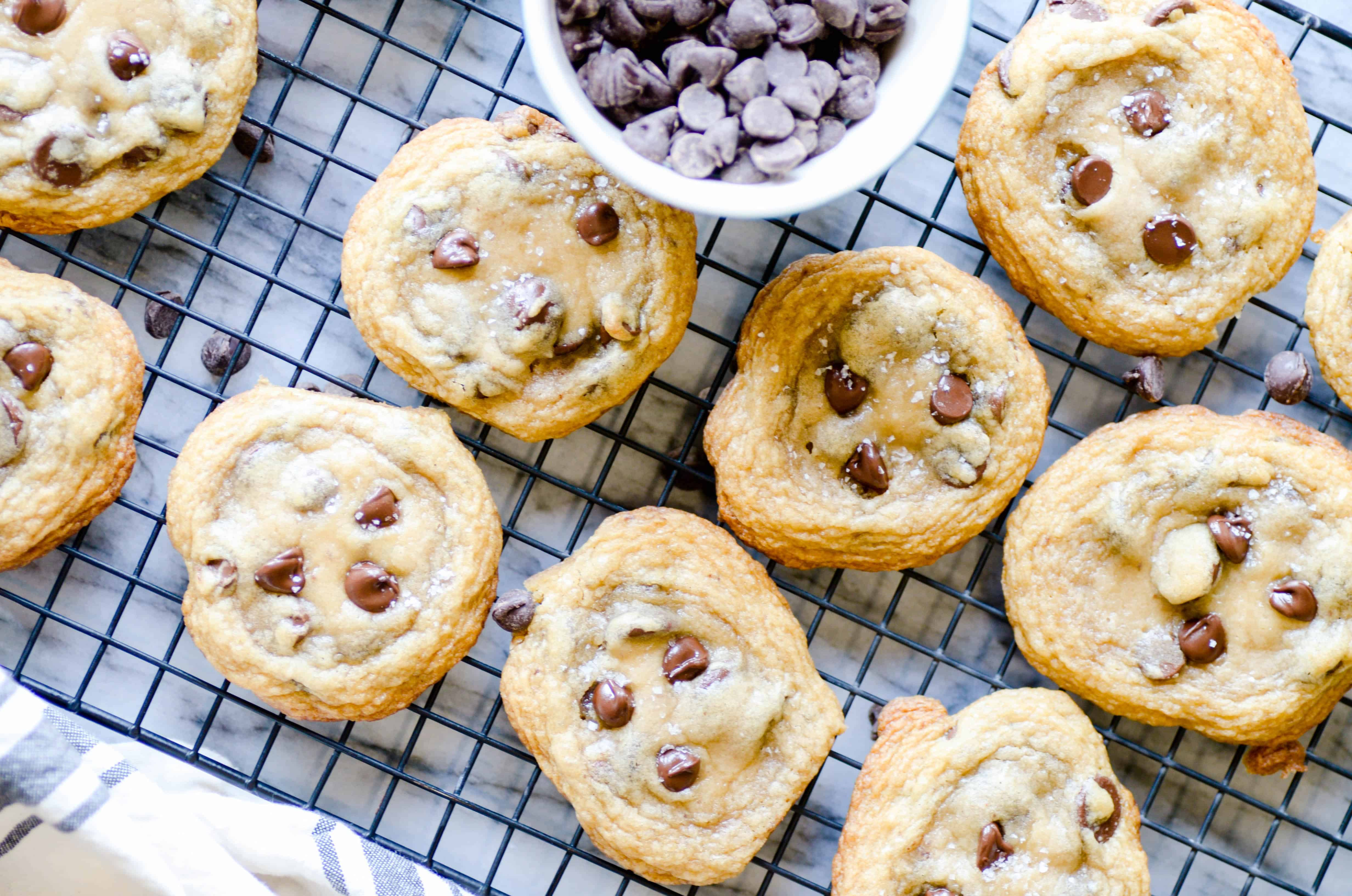 Everyone in my family was fighting over who got to eat the last cookie! These coconut oil chocolate chip cookies have sweet notes of vanilla and coconut, chewy edges, gooey centers, and lots of chocolate.