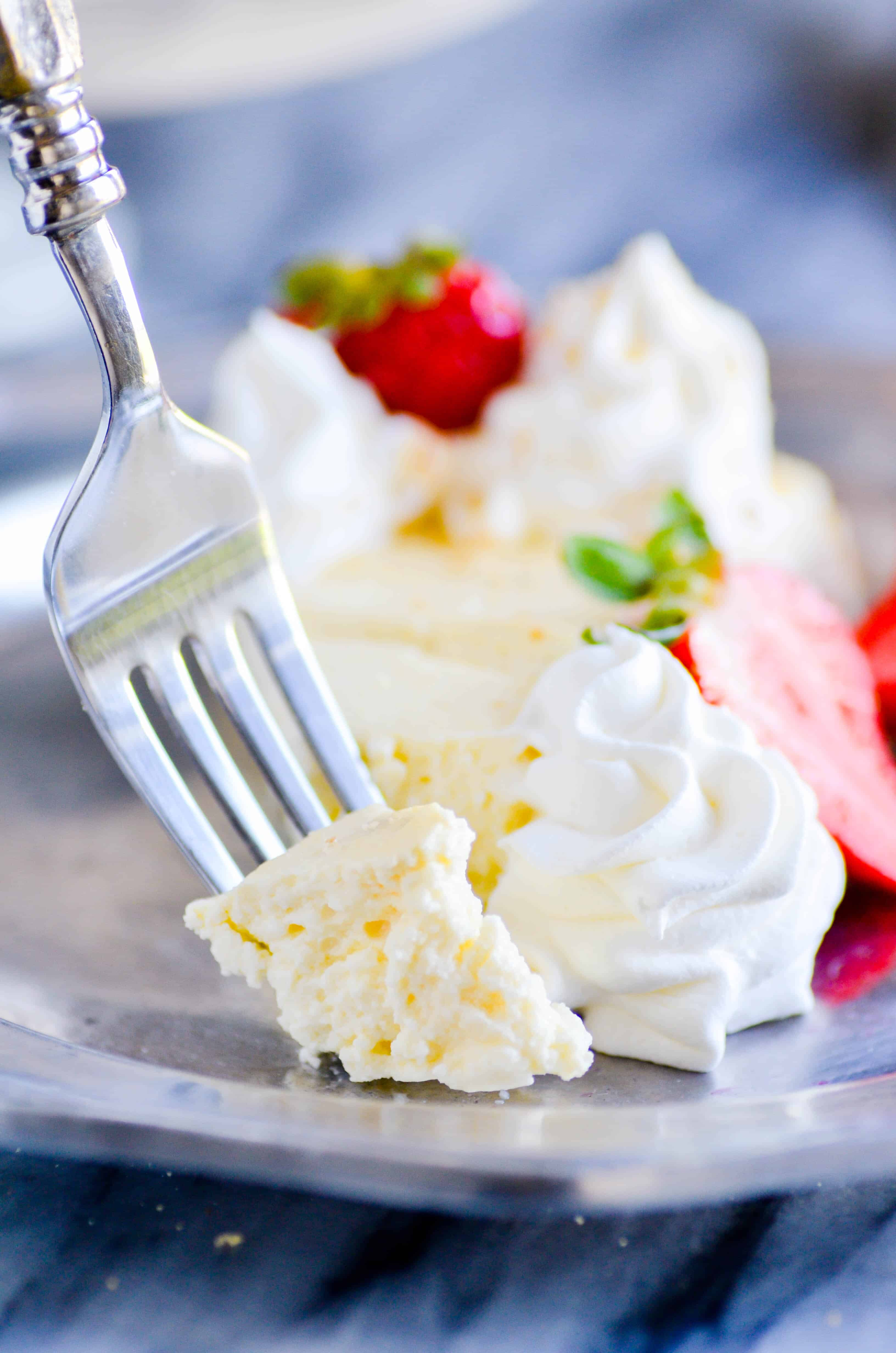 Whether you're watching your weight or simply trying to add a little more protein to your diet, this simple cheesecake recipe (only 1 Smart Point on Weight Watchers Freestyle!) is a must make.