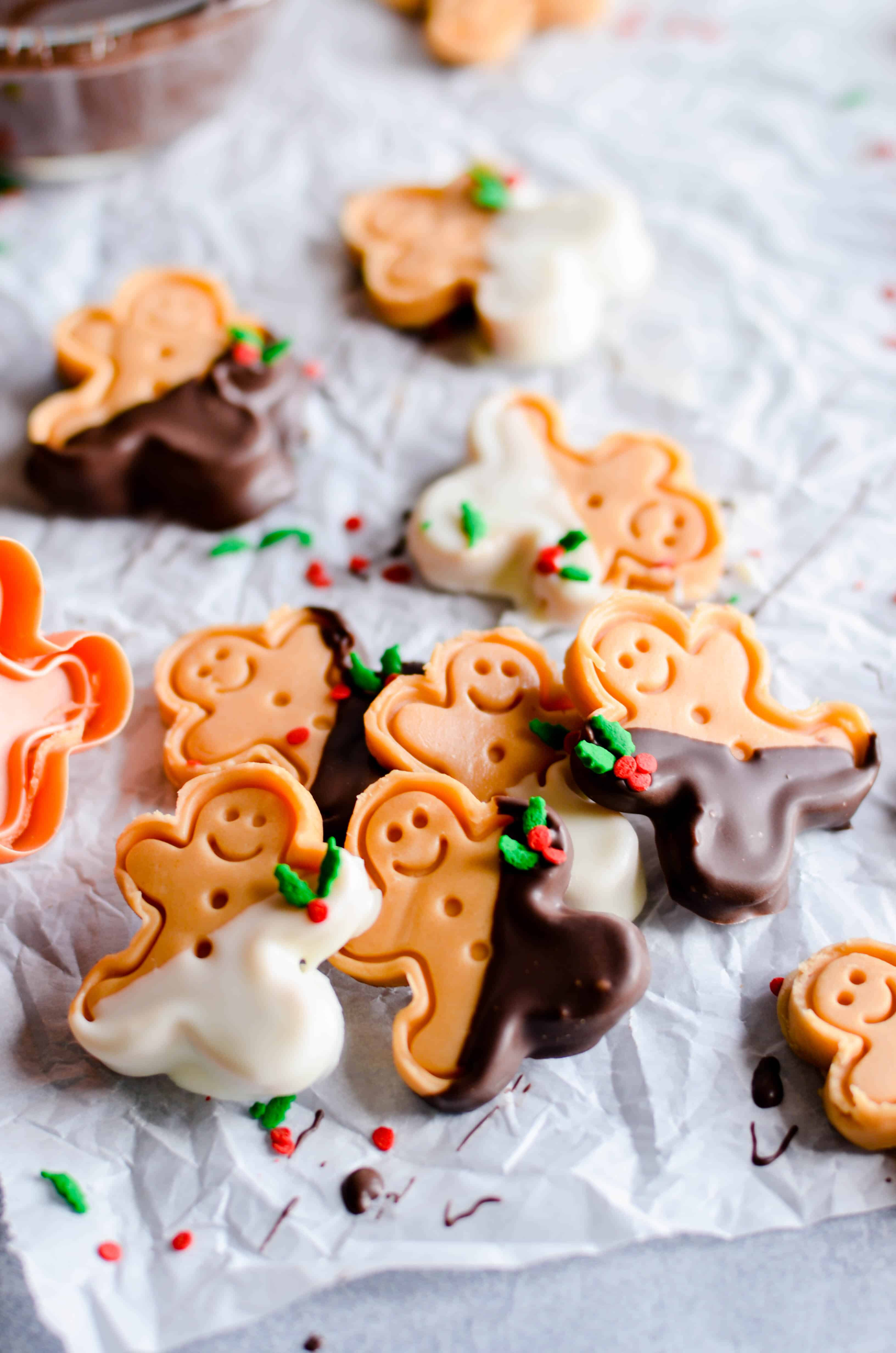 This yummy gingerbread fudge is the perfect treat for Christmas! No candy thermometer or special equipment needed.