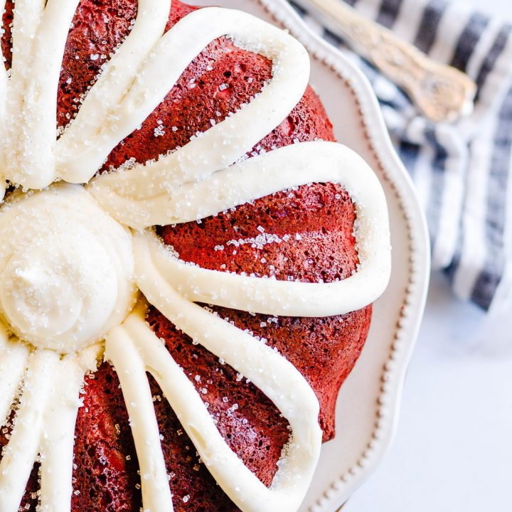 All the heart eyes ????????????for this Red Velvet Bundt Cake with Cream Cheese Frosting. Sour cream makes it extra soft. And I could eat the cream cheese frosting with a spoon!