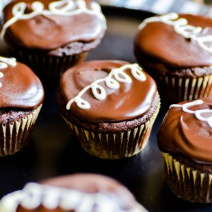 Have you ever made Hostess Cupcakes at home? SO GOOD! Chocolate cupcakes filled with homemade vanilla cream and topped with a rich chocolate ganache.