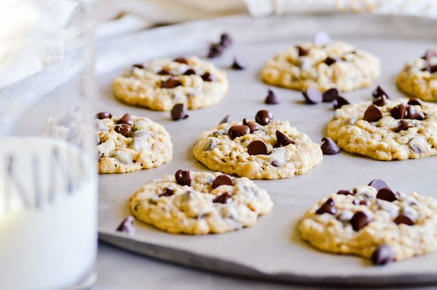 I loved my mom's Oatmeal Chocolate Chip cookies while I was growing up. Nobody baked cookies as good as my mom's, and this recipe was her favorite!