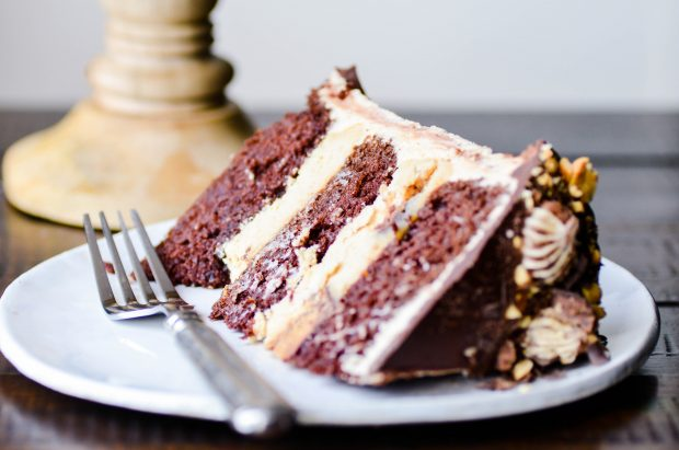 Peanut Butter Cup Cheesecake Cake